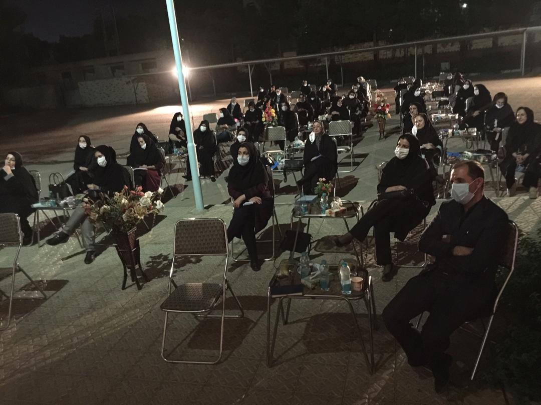 اولین جلسه شورای دبیران دبیرستان دوره دوم فرزانگان برگزار شد